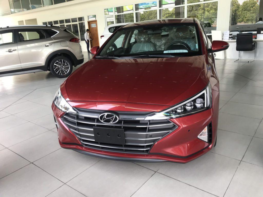 Hyundai elantra 2.0AT 2021 1