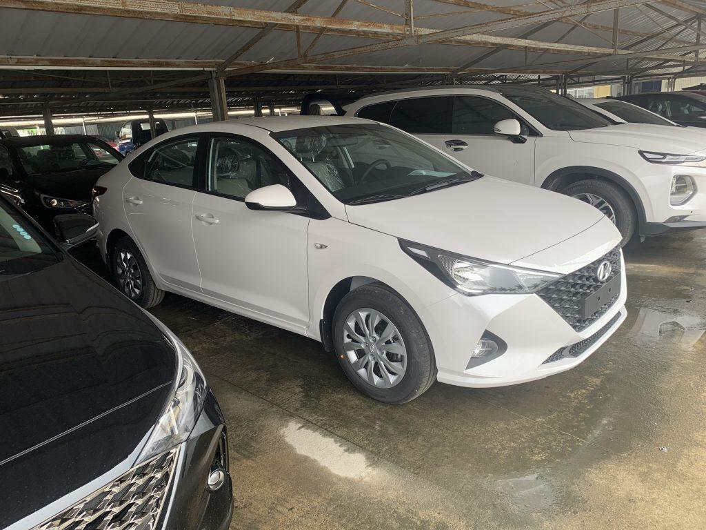 Hyundai Accent base 2021 3