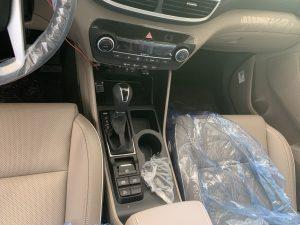 Hyundai Tucson 21 cần số